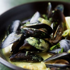 Mussels with coconut milk, lime and cilantro