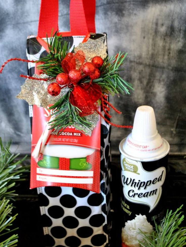 Thirty-One Gifts - Perfect Bottle Thermal is a great holiday gift idea....throw in a bottle of whipped cream and cocoa!