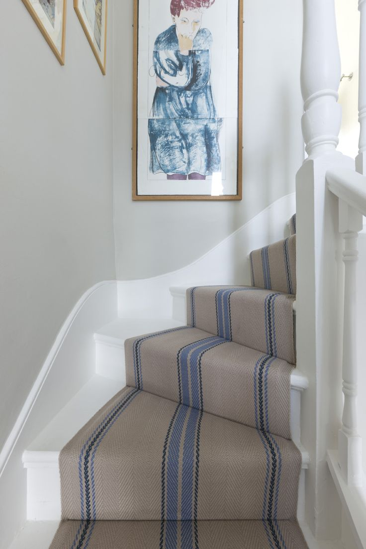Roger Oates - Cluny Denim Close Crop stairs