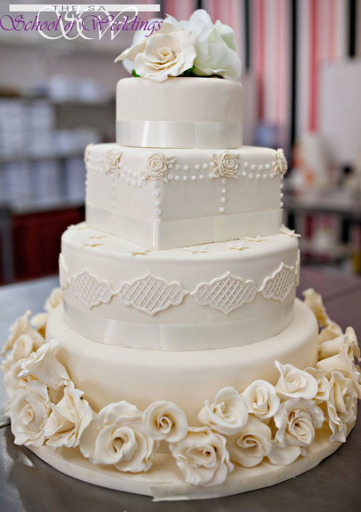 Classic Cream Wedding Cake www.saschoolofweddings.co.za