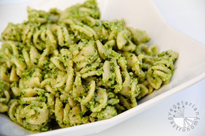 Broccoli Pesto (gluten-free, contains dairy)   Recipe   Pesto pasta ...