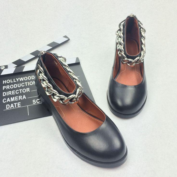 2017 Новая мода рим горячей Сплошной цвет черный голливудская звезда металлическая Цепь на низком каблуке круглый носок из натуральной кожи ручной работы женщин обувькупить в магазине Krazing PotнаAliExpress