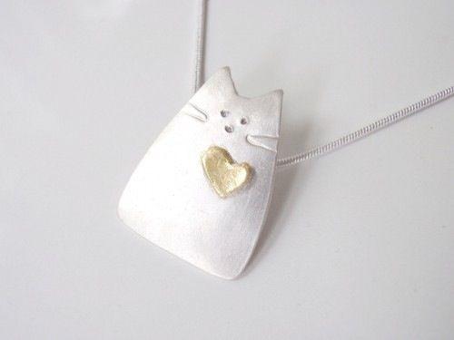 Collar de gatito