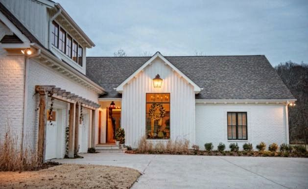 Steward of Design: Crushing On: Modern Farmhouse Exteriors