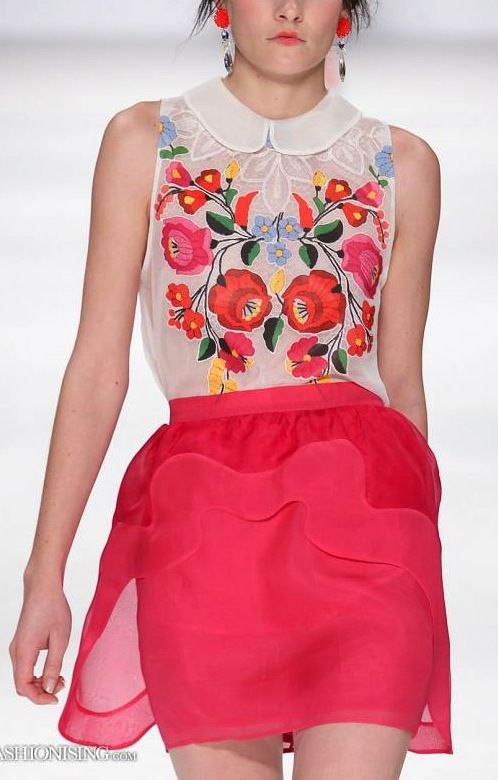 ✢ STYLE ✢ Viva Mexico |  Pink skirt Mexican embroidered top