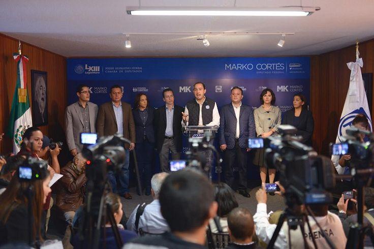 En rueda de prensa, el coordinador del PAN en la Cámara de Diputados y su compañero de bancada, José Antonio Salas, detallaron el contenido del Presupuesto de Egresos de la ...