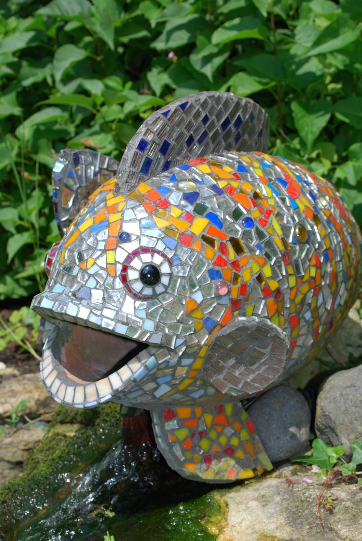 32 best mosaic fish images on pinterest mosaic animals for Mosaic ideas for the garden