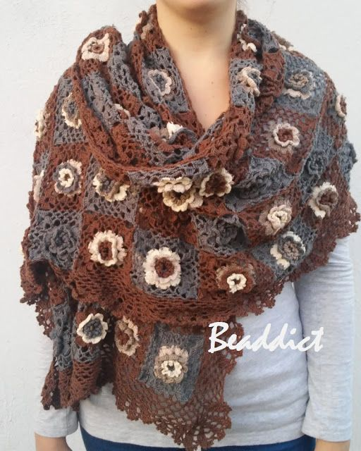 Crocheted cotton scarf. Designed and made by Beaddict.
