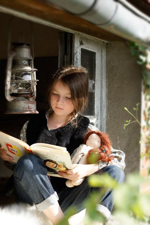 Reading. // The beautiful light of september… {Photographies Frédérique Hérault-Jéhanno}