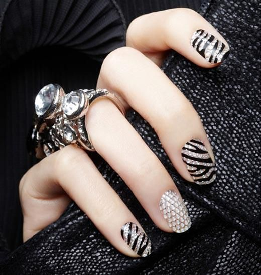 Bling zebra nail design https://itunes.apple.com/us/app/blisspic-your-thoughts-in/id854156008?mt=8