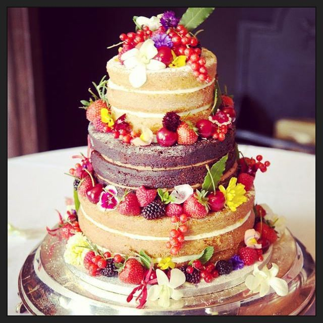 wedding cake flowers edible 7 best wedding cakes with edible flowers images on 22674