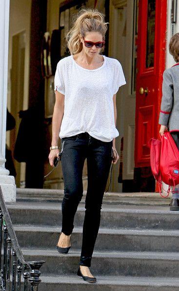 Clássico - Camiseta Branca - de mangas curtas ou compridas, todos temos uma camiseta branca, que pode ser usada a qualquer momento.