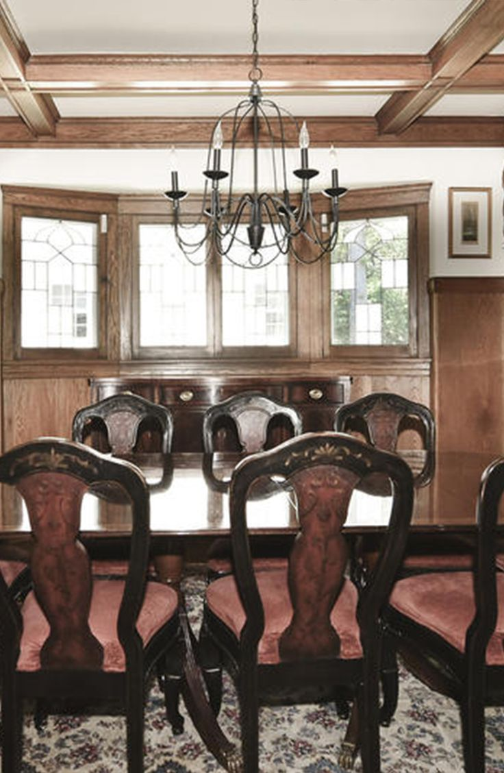Wilmette colonial formal dining room with coffered ceilings