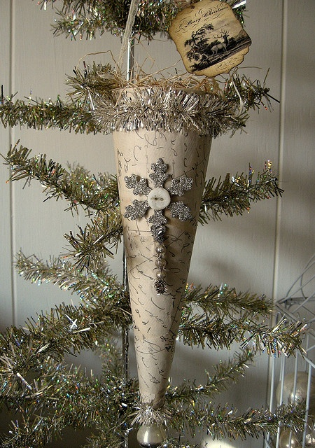 Cone w/less decoration ... Like this better. I like the medallions & snowflakes p, and less inside the cone ~ leaving room for a present!