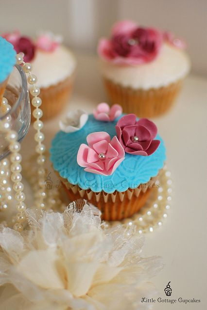 Shabby Chic 2 by Little Cottage Cupcakes, via Flickr