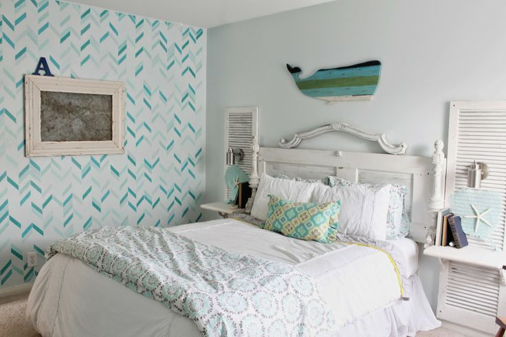 Shabby beach bedroom tween bedroom shabby chic meets the for Shabby chic bedroom colors