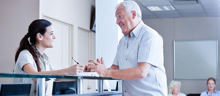 Confra 5 dicas primordiais que toda recepcionista de consultório precisa saber para manter a excelência no seu trabalho e no atendimento aos pacientes.