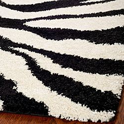 Hand-woven Ultimate Ivory/ Black Shag Rug (8' x 10')