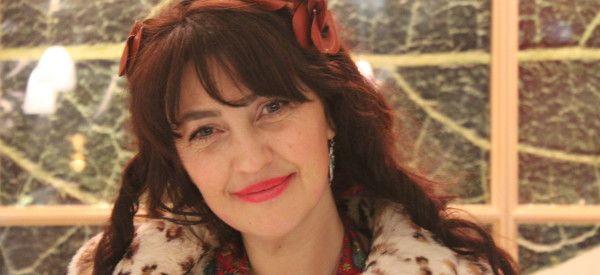 17/01/14. Rona Hartner à Montréal: la Roumaine qui aime les Roms. LIRE http://quebec.huffingtonpost.ca/lela-savic/rona-hartner-roumaine-aime-roms_b_4619874.html?utm_hp_ref=divertissement