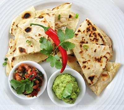 Rezept mit Bild für Quesadilla mit Guacamole und Tomaten-Koriander-Salsa
