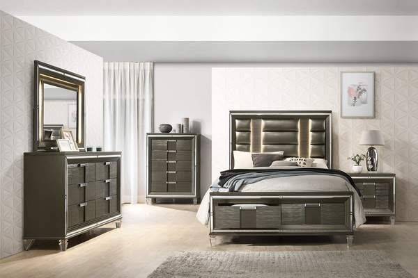 The Sophisticated Fifth Avenue Bedroom Set Features A Stunning Finish Paired With Acrylic Hardware Bedroom Sets Furniture Queen Bedroom Set Bedroom Sets Queen