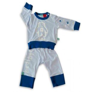 The ergoPouch bamboo kids' pyjamas (All Season weight) will help your child get the best nights sleep. Bamboo fabric regulates body temperature, keeping your little one cooler in summer and warmer in winter. The pyjamas are hypoallergenic and ecofriendly...not to mention the luxurious softness of the fabric!