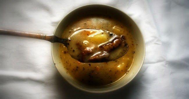Bramborová polévka s čerstvými hříbky