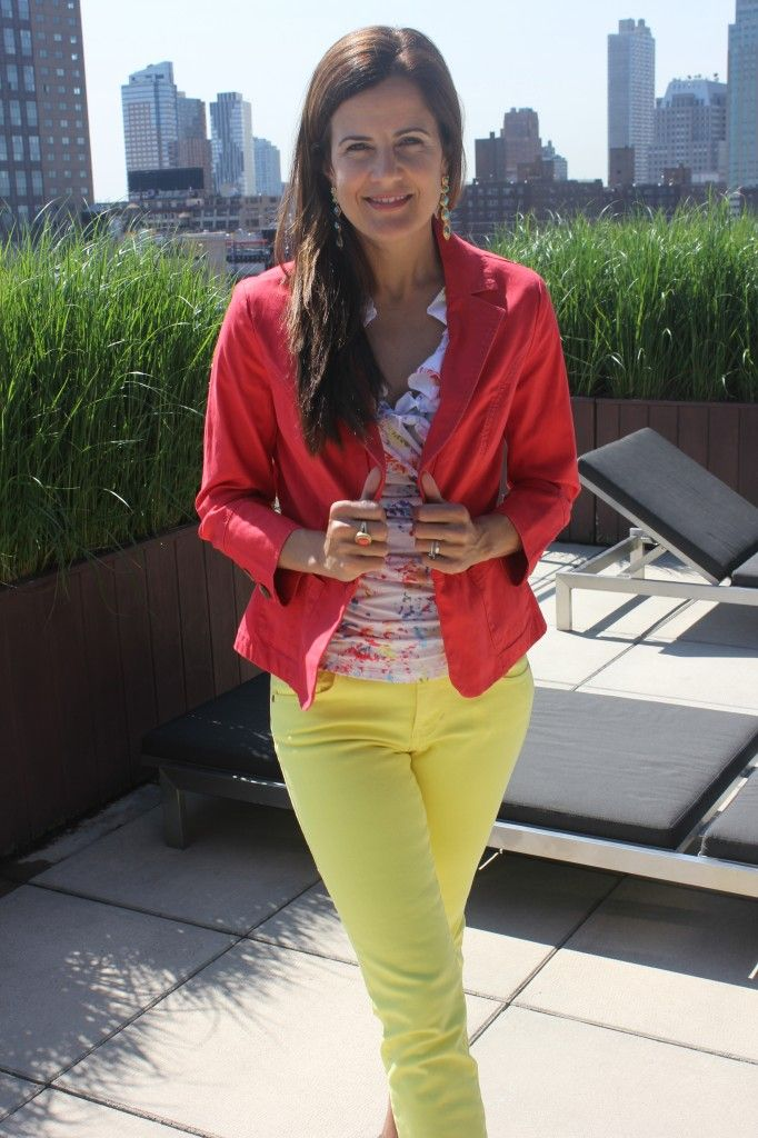 Nicole from MomTrends is rocking her Toss-On Jacket, Limon Cropped Bree Jeans & the Printed Ruffle Tank.2012 Cabi, Summer Style, Cabi Clothing, Stylish Clothes, Cabi Outfit, Prints Ruffles, Cabi Fashion, Crop Brees, Ruffles Tanks