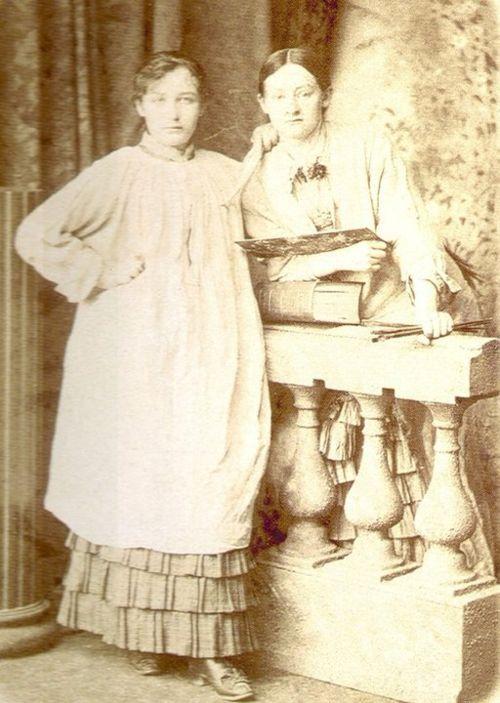 Camille Claudel and Ghita Theuriet in Paris (1881/82)