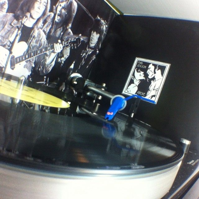 Fucking love #madseason #vinyl #vinyls #vinyljunkie #vinyloftheday #vinylcollector #vinylcollection #recordcollection #nowspinning #technics