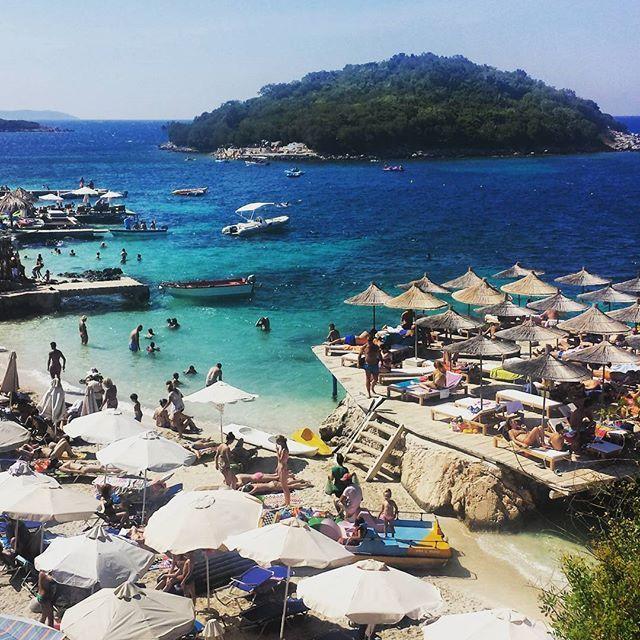 #beach 🌞🌅🌎 and🐟 #seacoast in #Albania 🐠 #Ksamil #blue 🐋 #lazur #playa #plaża #morze #sea #deepblue #island #vacation #sun #słońce #wakacje #chillout #hot #travel #traveling #clearwater