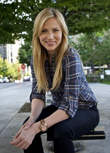 Beth Riesgraf. In this outfit we could be twins!
