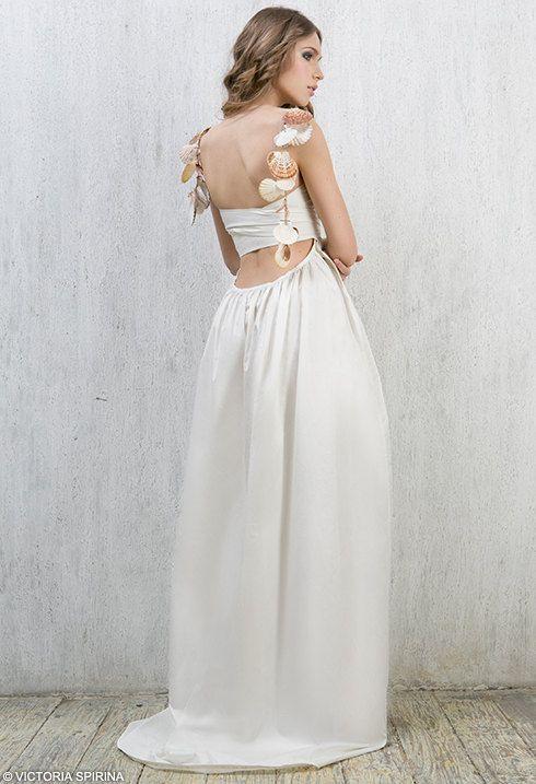 Hawaii-cotton wedding dress Low back wedding by VICTORIASPIRINA
