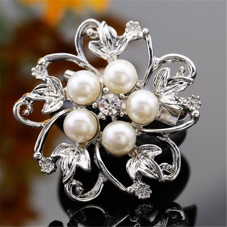 Exquisite Imitation Cream Pearl Flower Pin Brooch Diamante Rhinestone Wedding Brooch Pins Gold Plated Elegant Women Brooch
