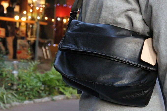 $383.65  aniary/ older brother Alian Tieck leather messenger [a color:] Black 】 /  Shoulder bagsal-04-01-1