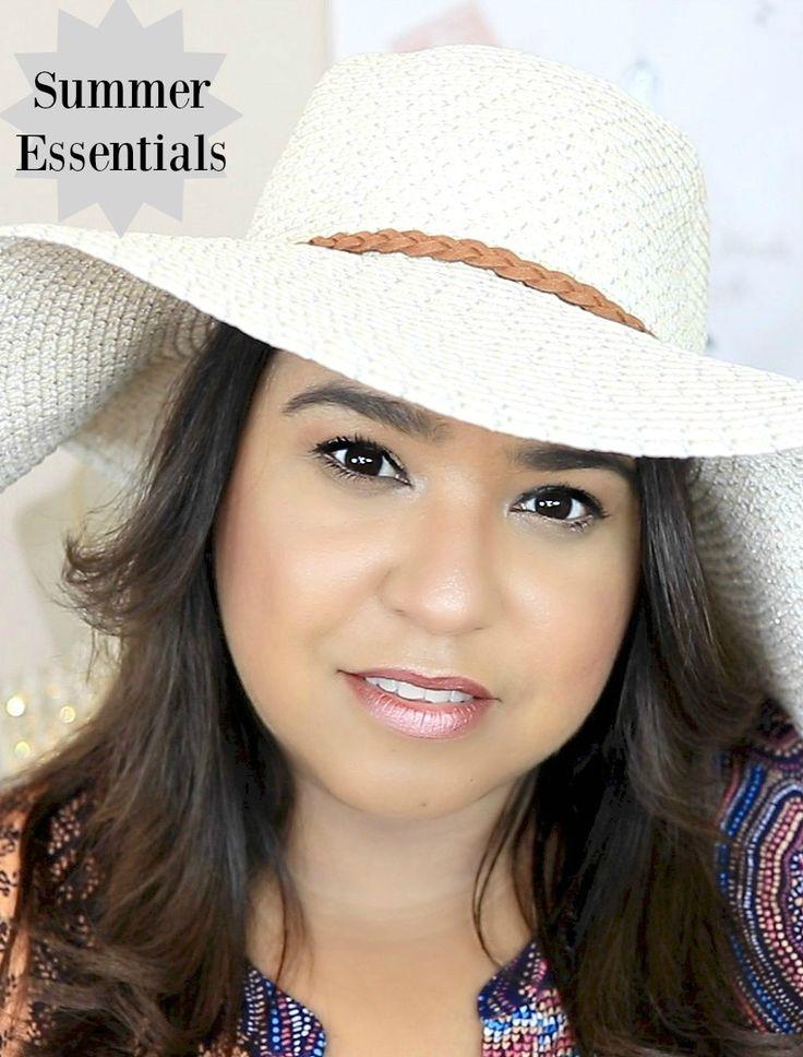All my summer essentials for skin care, hair and makeup. Les comparto mis esenciales para el verano como maquillaje, cabello y cuidado de la piel. Entre los productos que menciono se encuentran Neutrogena, It Cosmetics, L'Oreal entre otros.
