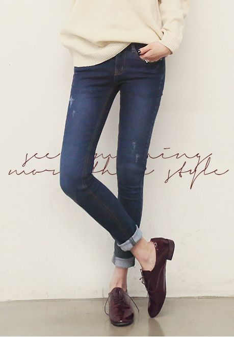 Sweater, rolled jeans & brogues