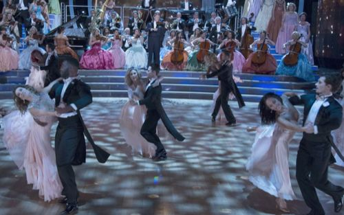 Tonight on ABC the glitz and the glitter returns to the ballroom as Dancing With The Stars and continues with an all-new Monday, October 24, 2016, season 23