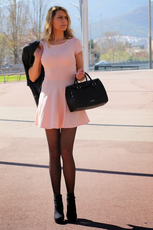 vestido rosa palo con vuelo zara