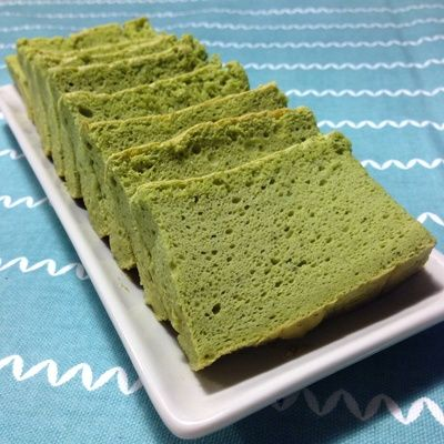 Japanese cheesecake is very different from Western style cheesecake that is rich and heavy. Japanese cheesecakes are light, fluffy and has velvety texture. This recipe is a modification of the original cheesecake, it has a green tea flavour. Perfect to be served with your favourite cup of green tea.