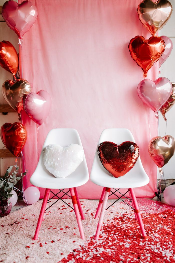 Zhy Valentines Day Backdrop Heart Shaped Balloons with Ribbons and Banner Pennants Romantic Valentine s Day Pink Photography Background Lovers Couple Wedding Birthday Party Studio7X5FT