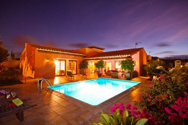 We love this villa in Corralejo, Fuerteventura. The pool has plenty of lighting so it's perfect for a night swim.