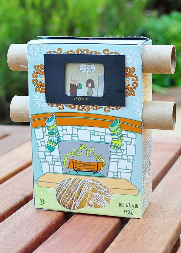 Maak je eigen tv. Verzin een verhaal, plak deze op een rol in de goede volgorde en bouw deze in de doos. Draaien maar!