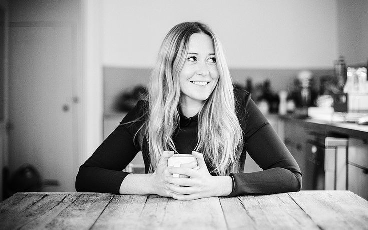 With her quick and easy recipes that make inventive use of the once   hard-to-find ingredients, Anna Jones brings unapologetically meat-free   cooking well and truly up to date with her new book A Modern Way to Eat