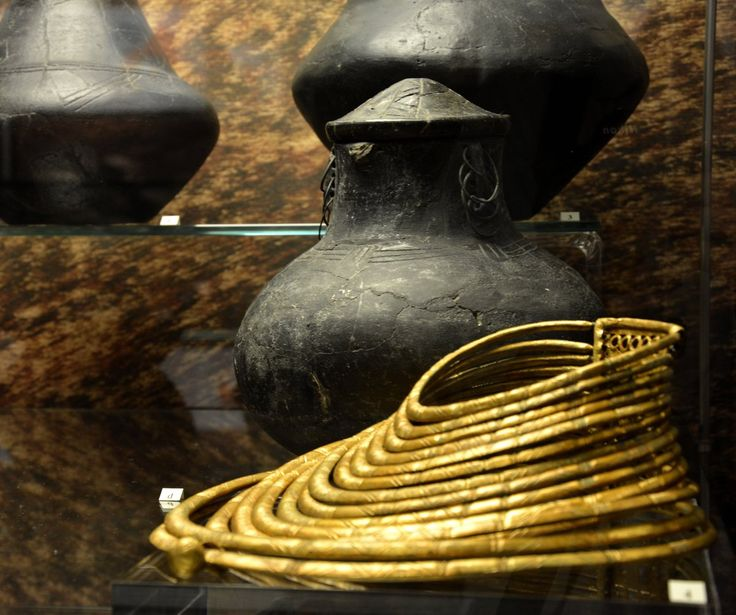#Jewellery archaeology #museum #PMA #Warsaw #burial
