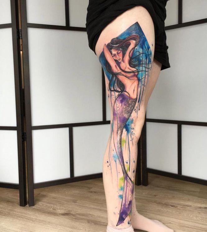Tatuagem aquarela: fotos e onde fazer (com imagens) | Tatuagens aquarela, Tatuagens de perna inteira, Tatuagem sereia
