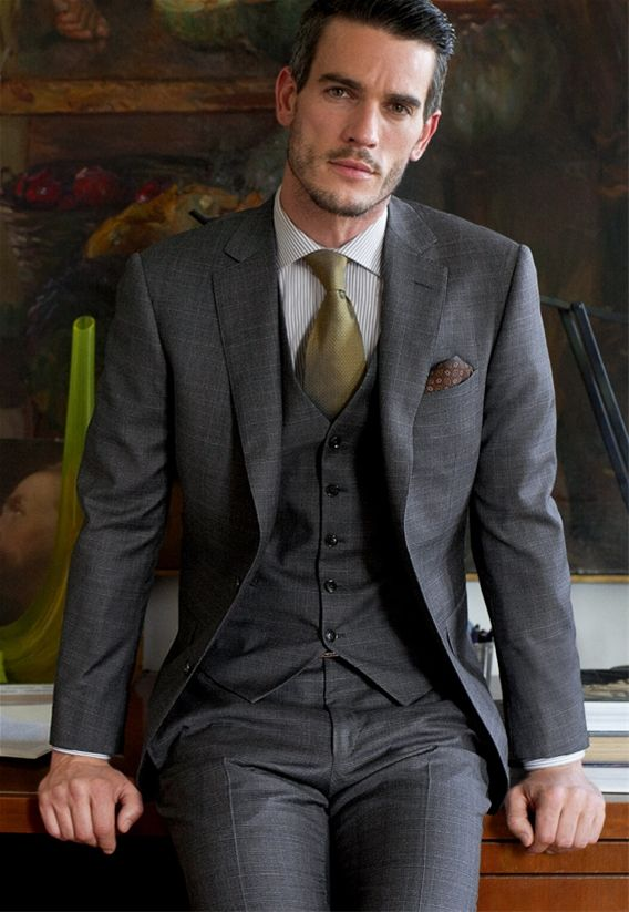OLIVE + GRAY | Perfectly tailored suit | La Beℓℓe ℳystère