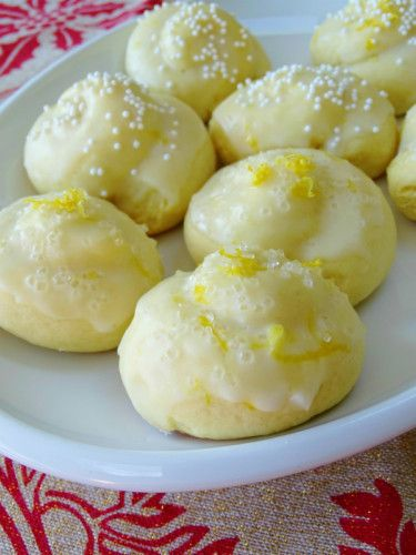 Italian Lemon Drop Cookies {Anginetti} | 01Recipes