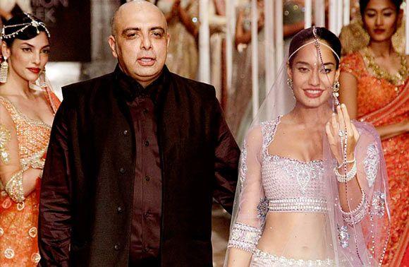 Tarun Tahiliani http://www.famousfashiondesigners.org/tarun-tahiliani