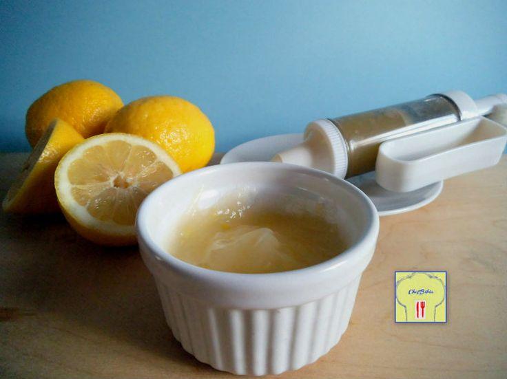 Una crema al limone la cui ricetta non prevede l'uso del latte, senza che questo influisca minimamente sulla sua bontà!!